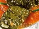 Рецепта Постни сарми от лапад с булгур и сушени манатарки в доматен сос в тенджера